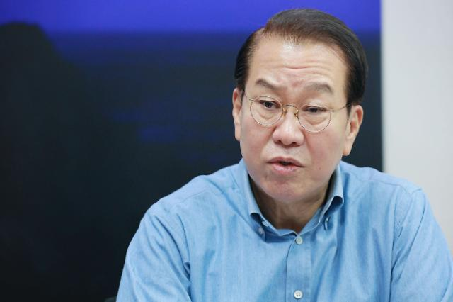 """[이슈체크] 권영세 """"용산공원에 공공주택? 우롱하나…대선주자 입장 밝혀라"""""""