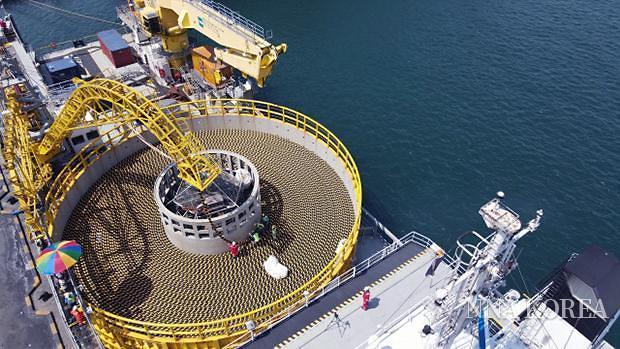 LS전선이 확보한 대형 해저 케이블 포설선