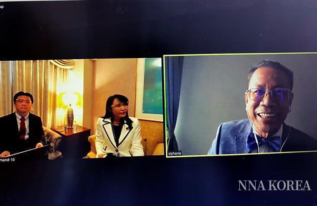 시파나 변호사, 모리 전 일본법무상, 이즈카 CEO