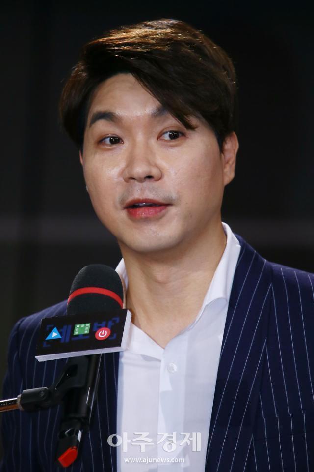 """박수홍 """"유튜버 주장 사실이면 은퇴…수사 결과 기다려달라"""""""
