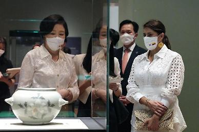 김정숙 여사, 콜롬비아 영부인과 박물관 방문…韓 역사·문화 설명