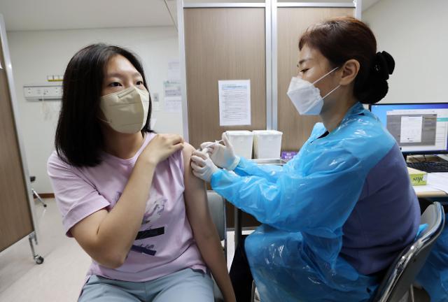 政府将公布中秋防疫新规 疫苗接种率向60%迈进