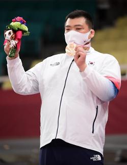 崔光根喜获东京残奥会柔道男子100公斤级铜牌