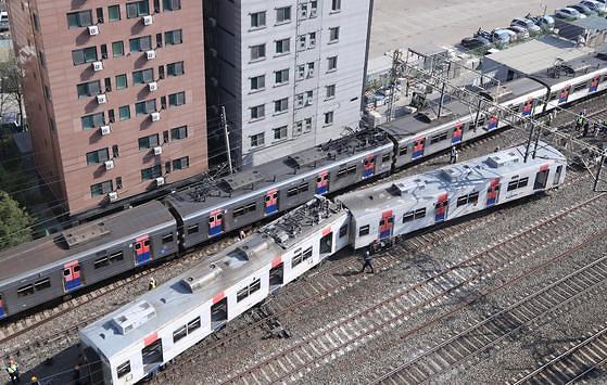 서울시 기약 없는 전동차 교체... '안전불안' 30년 노후 차량 쏟아진다