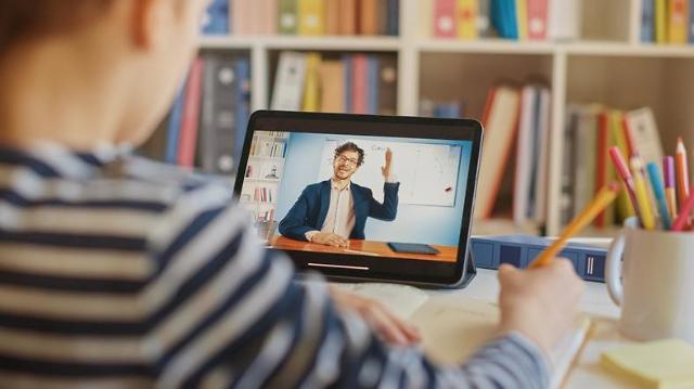 [해외 中企는 지금]깜지에서 태블릿으로…세계 교육시장, 에듀테크로 진화