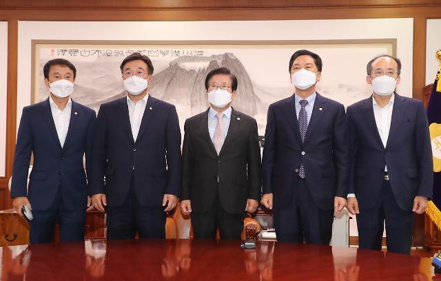 """윤호중 """"언중법 처리 의견 접근 많이 이뤄져""""...여야 오후 1시 재회동"""