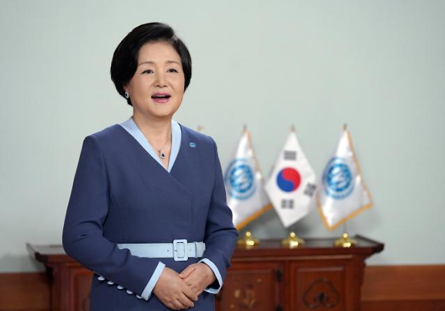 """김정숙 여사 """"코로나 백신, 공평 보급되지 않아…역량·지혜 모아달라"""""""