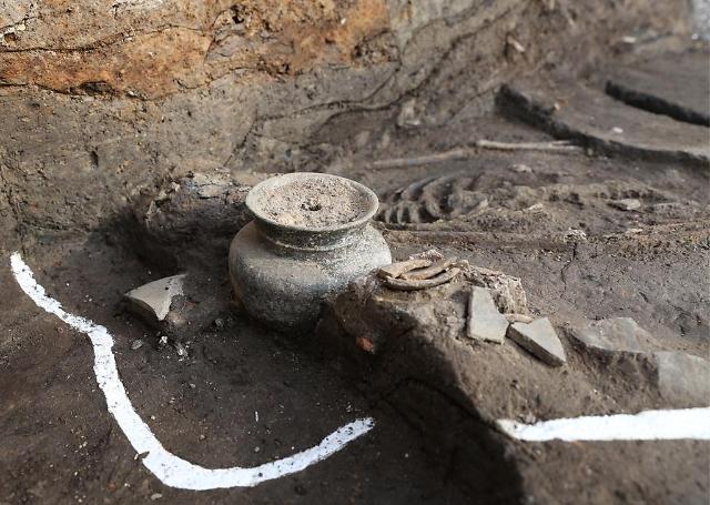 4세기 신라 왕성 지을 때 제물로 바친 인골 추가 발굴