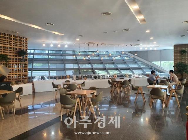 인천경제청, 송도 G-타워 1층 휴게공간...IFEZ 역사 전시 공간으로 새롭게 조성