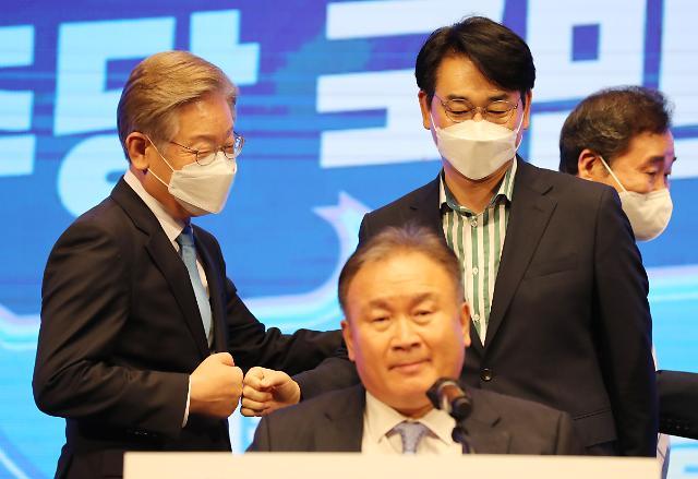 민주당 경선 TV토론 네거티브 없애고 공약 알리기 집중