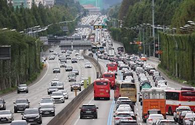 8월 자동차보험금 1인당 지급액 2년 새 30%↑…한방진료비 급증 탓