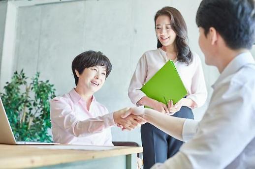 韩国女性高管比重首超5% 大企业性别平等指数小幅改善