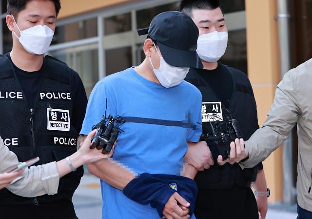 장인 앞에서 아내 장검으로 살해한 40대 구속송치