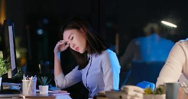 [아주 돋보기] 출산 후 축복은 잠깐…식당서 막히고 회사는 문전박대