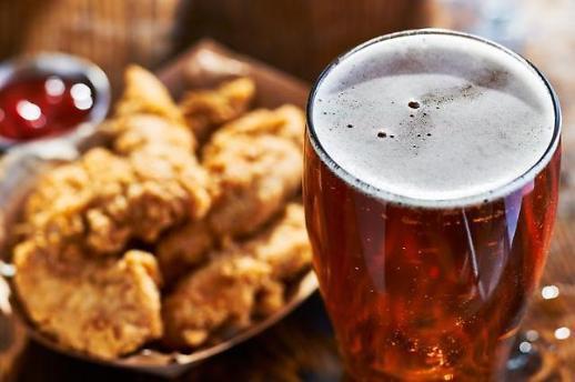 王炸组合来了!校村炸鸡即将推出首款手工特制啤酒