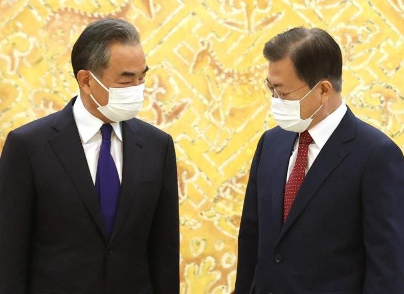 中왕이, 文대통령 만나 한·중 관계 발전 3가지 요소 제시