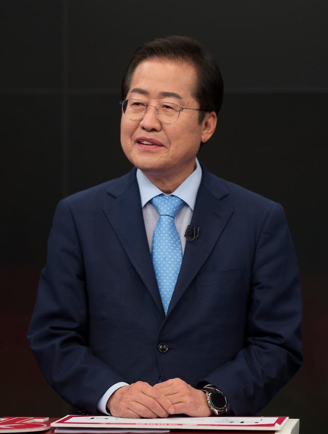 """'조국수홍' 비판 쏟아지자 홍준표 """"반문만으로 정권교체 안 돼"""""""