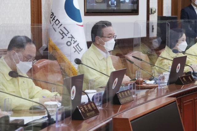 """'소상공인법 시행령' 개정안 국무회의 의결… """"10월 말 손실보상 시작"""""""