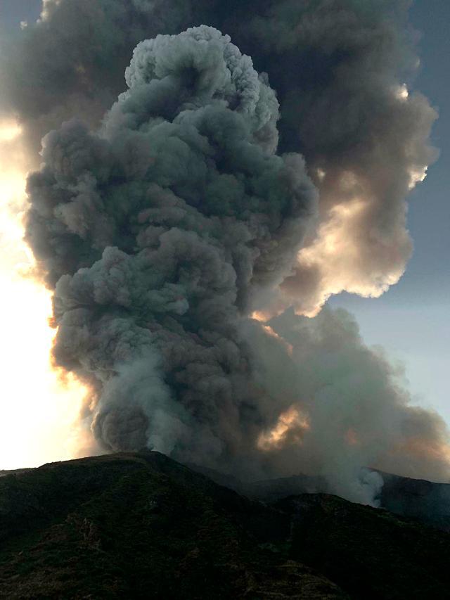 카나리아제도 라팔마섬 화산 폭발…주민 1만명 대피
