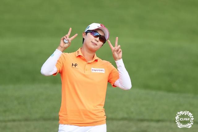 KLPGA 투어 대회 우승한 김효주, 여자골프 세계랭킹 5위로↑