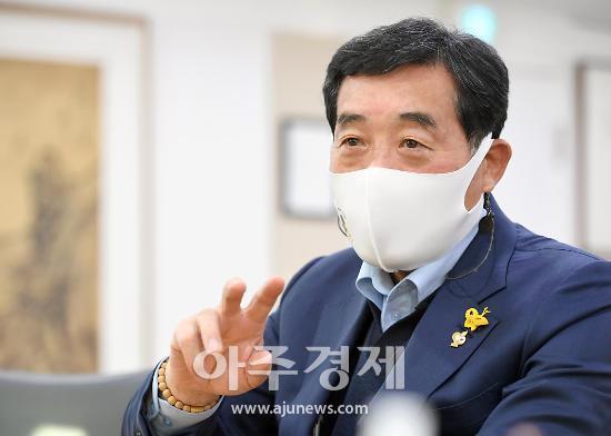 """윤화섭 시장 """"씨름부 안산시 큰 자랑 지속적인 지원 아끼지 않을 것"""""""