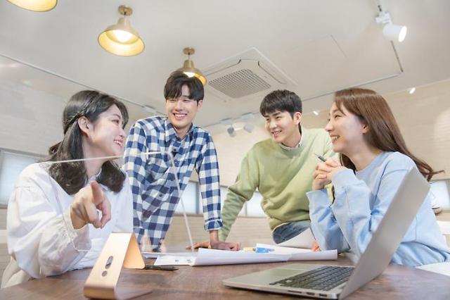 疫情下稳定工作难寻 韩青年群体创业热情高涨
