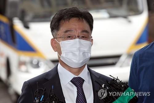 경찰 출석 화천대유 김만배 곽상도 아들 50억 퇴직금은 산재 때문
