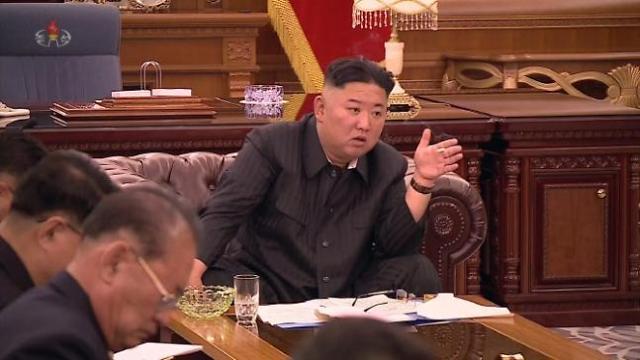 북한 극초음속미사일 화성-8형 첫 시험발사…김정은 참관 안해