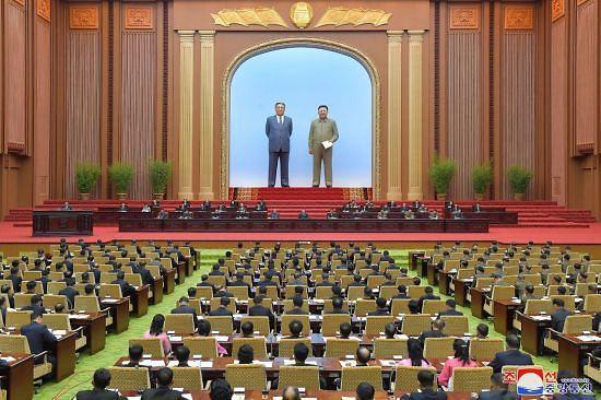 """김정은 """"다음달 남북통신선 복원...南에 위해 가할 생각 없어"""""""