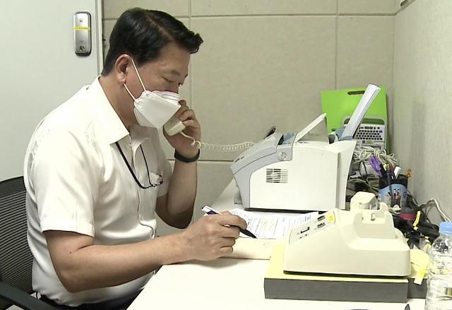 남북, 이틀째도 정상통화…함정 핫라인도 응답
