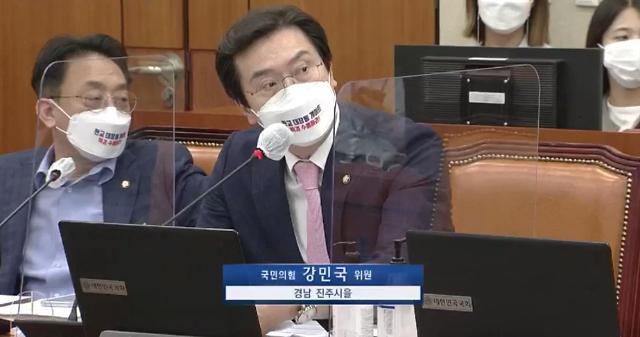 """국회 정무위도 대장동 국감…與 """"밝혀진 것 없다"""" vs """"특검 수사하라"""""""