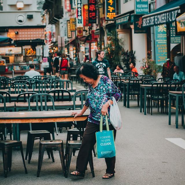 [NNA] 싱가포르 8월 소매업매출액, 7개월 만에 마이너스