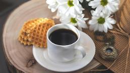 アジア人、1日3杯以上のコーヒーを飲むと死亡危険度24~28%↓