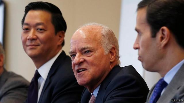 [글로벌人사이드] 세계 최대 사모펀드 KKR에 한국계 CEO...조셉 배는 누구?