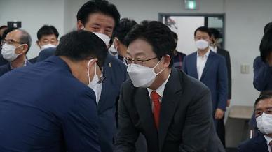 유승민, 野 선호도 조사서 박스권 깨고 18.2%로 급상승