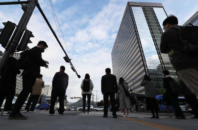 调查:韩国逾三成合同工疫情期间曾经历失业