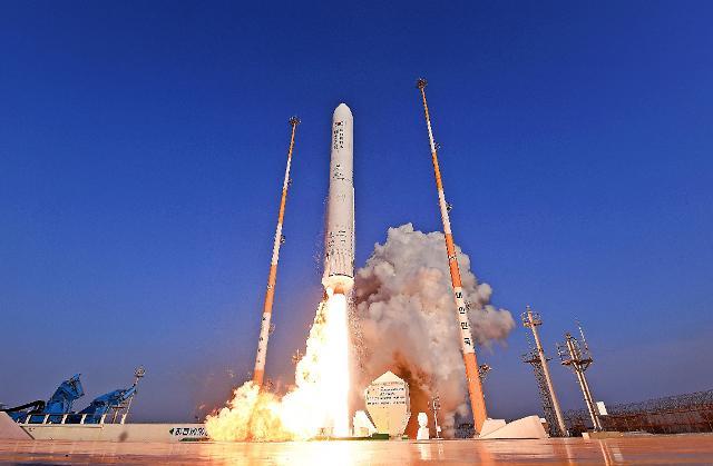 [한국 우주굴기] 세계 7번째 우주강국 향해...11년 준비한 누리호, 16분 만에 성패 판가름