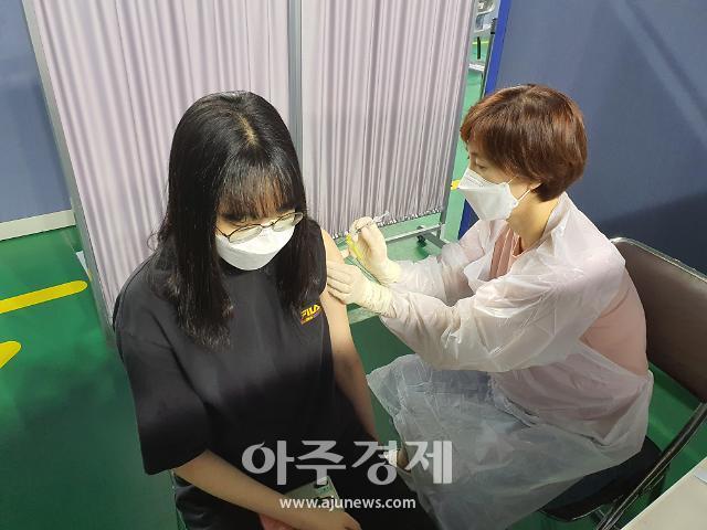 홍성군, 백신 접종 완료 목표 조기 달성···'단계적 일상 회복' 앞장