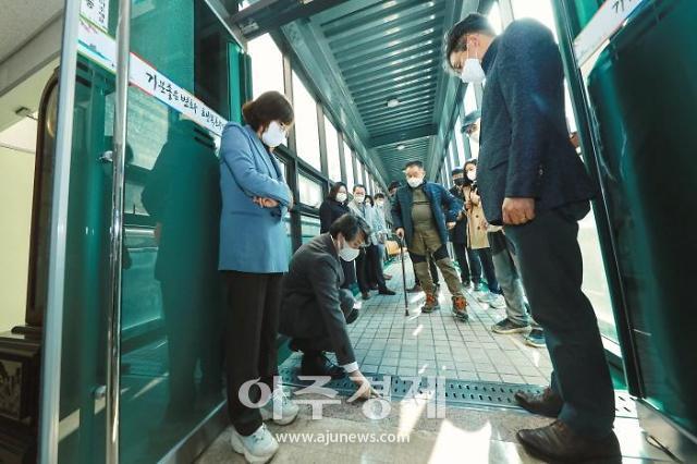 화성시의회 원유민 의장, 고향의 봄 꽃동산 조성사업 현장방문