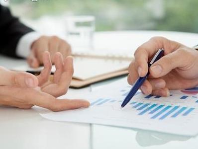 수익성 악화·규제 여전 기로에 선 보험산업...모호한 규제 개선해야