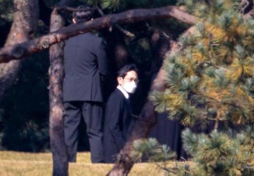李健熙去世一周年 遗属低调举行悼念活动