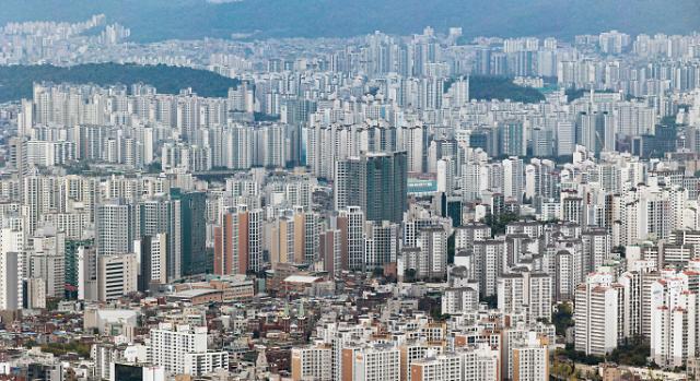 서울 평균 아파트값 12억원 돌파...1년만에 2억원 껑충