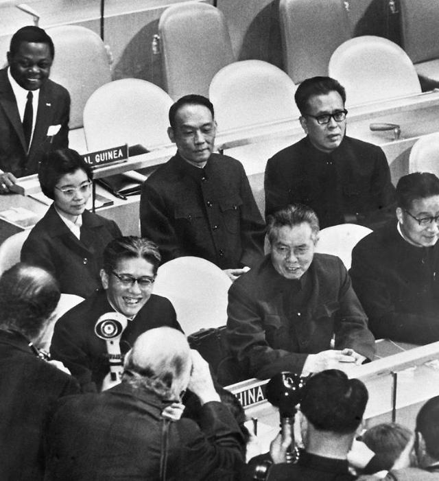 """中, 유엔 가입 50주년에 대미 견제구…시진핑 """"국제질서 수호자"""" 자처"""