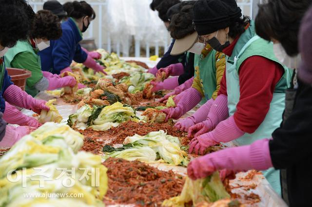 김장철 앞두고 배추·무·고추 가격 관리…달걀 경매장 도입