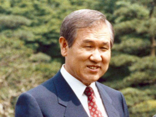韩国将为卢泰愚举行国葬
