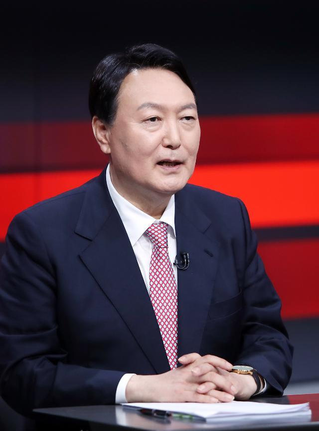'고발사주 의혹' 수사 신속하라던 尹…'김웅-조성은' 통화내용 나오니 '수사 지연' 전략